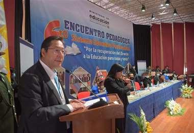 El presidente en el evento educativo I APG Noticias.