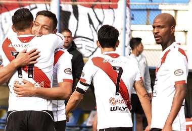 Fierro celebrando su gol. Foto: APG Noticias