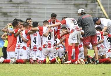 Independiente celebrando su victoria en Pando. Foto: APG Noticias