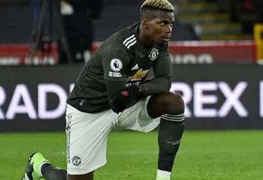 Los futbolistas respaldan la rodilla a tierra contra el racismo. Foto: Internet