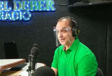 Roly Aguilera en el programa Influyentes, de El Deber Radio