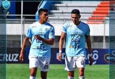 Eduardo Díaz y Erick Ribera, jugadores de Aurora. Foto: Prensa Aurora
