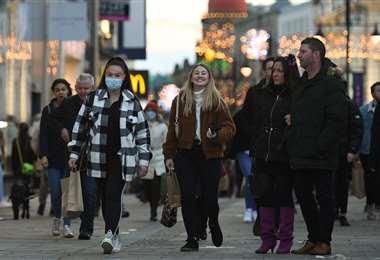No todos los británicos usan barbijo/Foto: AFP