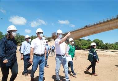 Gobernación supervisa el avance de obras en el Urubó