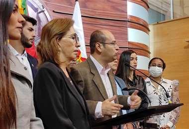 La conferencia de prensa de diputados y senadores I Creemos.