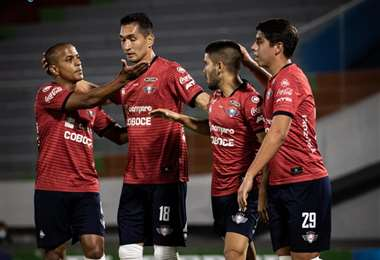 Serginho, Pedriel, Melgar y Galindo, jugador de Wilstermann. Foto: prensa Wilstermann