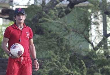 Cristaldo trabaja como entrenador en Atlético Huracán. Foto: Jorge Gutiérrez