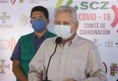 Costas, líder de Demócratas, fue criticado por Peña y Ortiz