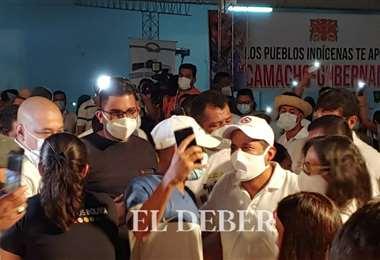 Camacho llega a su proclamación en la casa de campaña de Creemos/Foto: Jorge Gutiérre