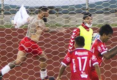 Los jugadores de Tomayapo quieren celebrar nuevamente un triunfo. Foto: APG Noticias
