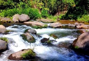 Río Sensunapán en El Salvador