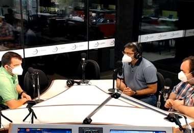 Áñez (izq.) se refirió al tema en una entrevista con EL DEBER Radio