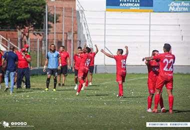 El festejo de Royal Pari en el estadio de Real Santa Cruz. Foto: club Royal Pari
