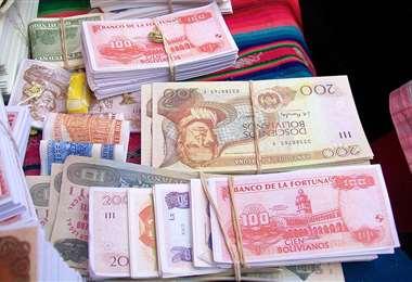 La venta de billetes son una tradición en Alasita (Foto: Internet)