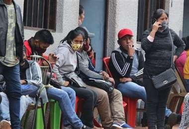 La falta de trabajo sube en las ciudades del país (Foto: EL DEBER)