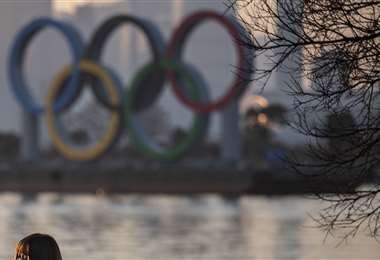 Los anillos olímpicos en exhibición. Foto: AFP