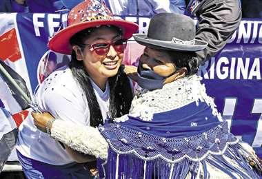Eva Copa tiene masivo apoyo en El Alto/Foto: APG