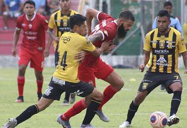 El partido Guabirá - The Strongest fue bastante atractivo. Foto: APG Noticias