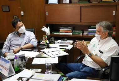 La reunión entre los reponsables de salud se desarrolló en un ambiente cordial