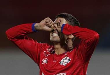El lamento de Patricio Rodríguez. Wilstermann quedó fuera de la Copa. Foto: AFP