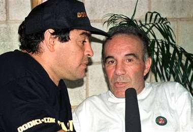 Maradona y Cahe, cuando era su médico de cabecera. Foto: Internet