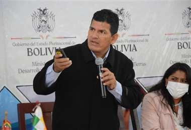El ministro Cáceres fue cesado en sus funciones.