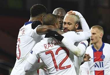 Neymar celebrando uno de sus dos goles. Foto: AFP