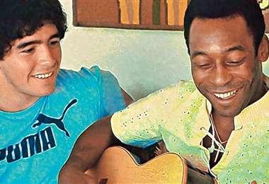 Maradona y Pelé, dos crack del fútbol. Foto: internet