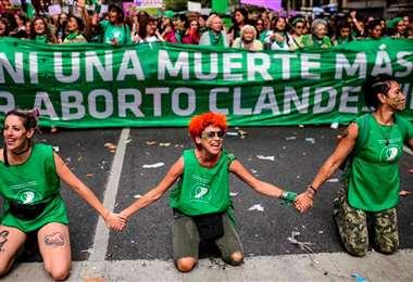 La 'marea verde' celebró la aprobación de la ley en Argentina