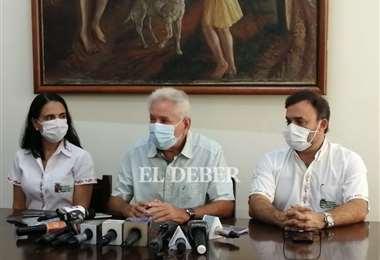 Rubén Costas prioriza la adquisición de vacunas para vencer al Covid Foto: J.C. Torrejón
