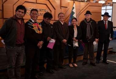 Ellos son los siete integrantes del Consejo de Administración de la FCBCB