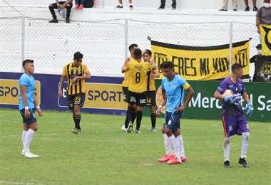El festejo de los jugadores del Tigre en el estadio de Real. Foto: El Deber
