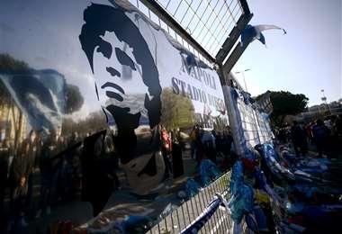 Dos estadios llevan el nombre de Maradona. Uno en Italia y otro en Argentina. Foto: AFP