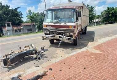 En estas condiciones quedó la motocicleta que era conducida por el fallecido
