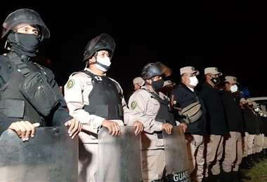 Guardias municipales realizan patrullaje en la zona del cordón ecológico en Santa Cruz