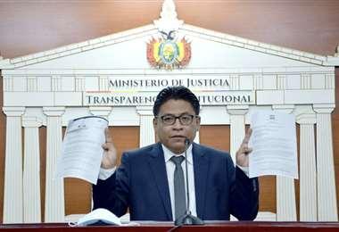 La autoridad en conferencia de prensa I Justicia.