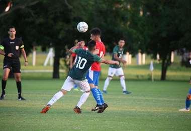 El sábado jugaron un amistoso las sub-20 de Bolivia y Paraguay. Foto: FBF