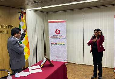 Posesión de la nueva gerente del Sedem, Fátima Pacheco.