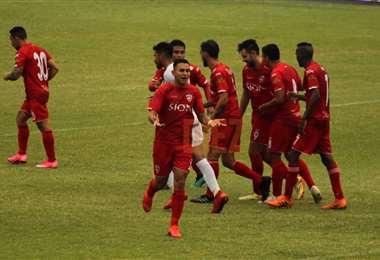 Miranda celebrando su gol. Foto: Juan C. Torrejón