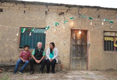 Los hogares de Quirusillas reciben la energía eléctrica
