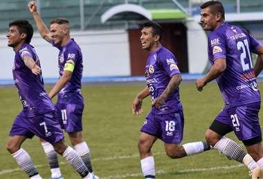 Los jugadores de Real Potosí, en plena celebración. Foto: APG