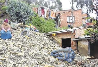 Los daños superan la decena de viviendas caídas y hay 50 familias en zona de riesgo. Foto: APG