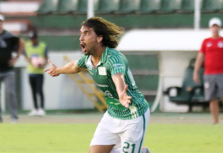 Juan Diego Gutiérrez fue una sentida ausencia en el partido ante Blooming. El peruano no fue convocado por Vitamina Sánchez. Foto: Jorge Ibáñez