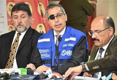 Las autoridades sanitarias en el país brindaron una conferencia de prensa. Foto: ABI