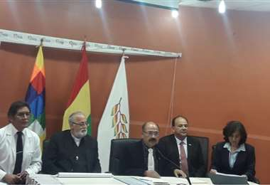 El ministro de Salud ofreció una conferencia de prensa en La Paz.