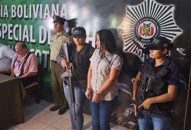 Dora V. se presentó la noche del miércoles ante la Fiscalía de Santa Cruz.