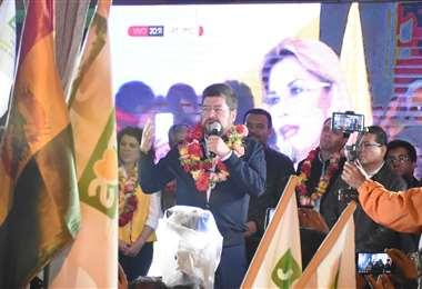 El candidato a vicepresidente por la alianza Juntos habló frente a los cochabambinos. Foto: Dico Solíz/Opinión