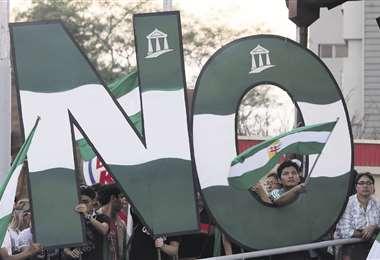 Los ciudadanos acataron un paro cívico de 21 días en protesta por la repostulación.