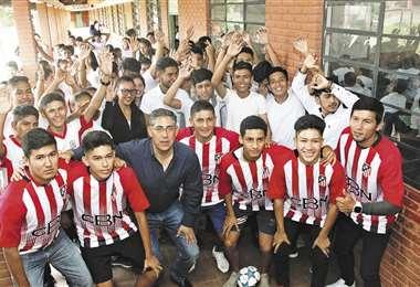 Alcance. Cerca de 1.900 estudiantes de la Unidad Educativa Dr. Ángel Foianini Banzer (La Guardia) fueron beneficiados