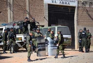 Ingreso principal a la cárcel de El Abra en Cochabamba. Foto: ABI